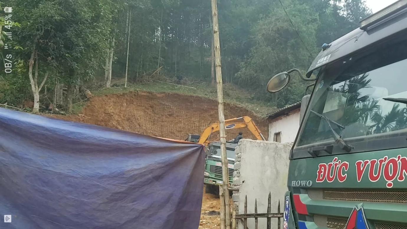 Thường Xuân - Thanh Hóa: Chính quyền địa phương làm ngơ cho khai thác đất trái phép hoành hành - Ảnh 2