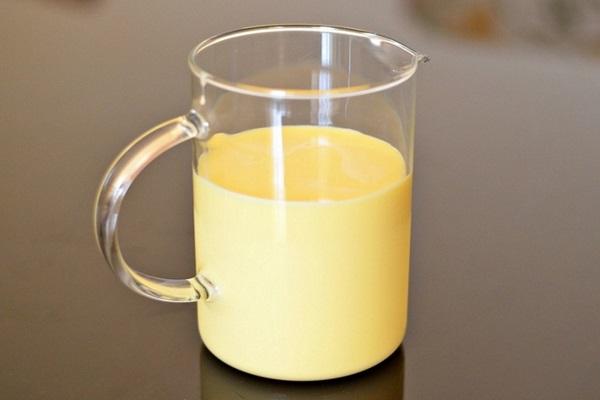 Sữa non là gì? Thành phần và lợi ích của sữa non có gì đặc biệt - Ảnh 1