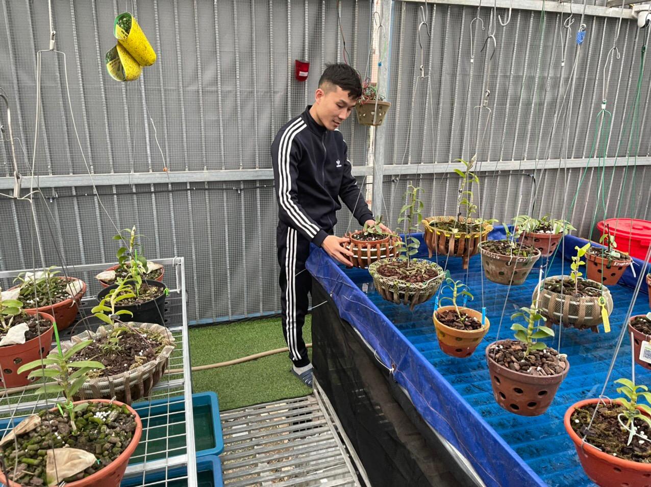 Tạ Quang Bộ - Từ chàng trai trẻ lận đận trong công việc đến doanh nhân thành đạt nhờ trồng lan - Ảnh 3