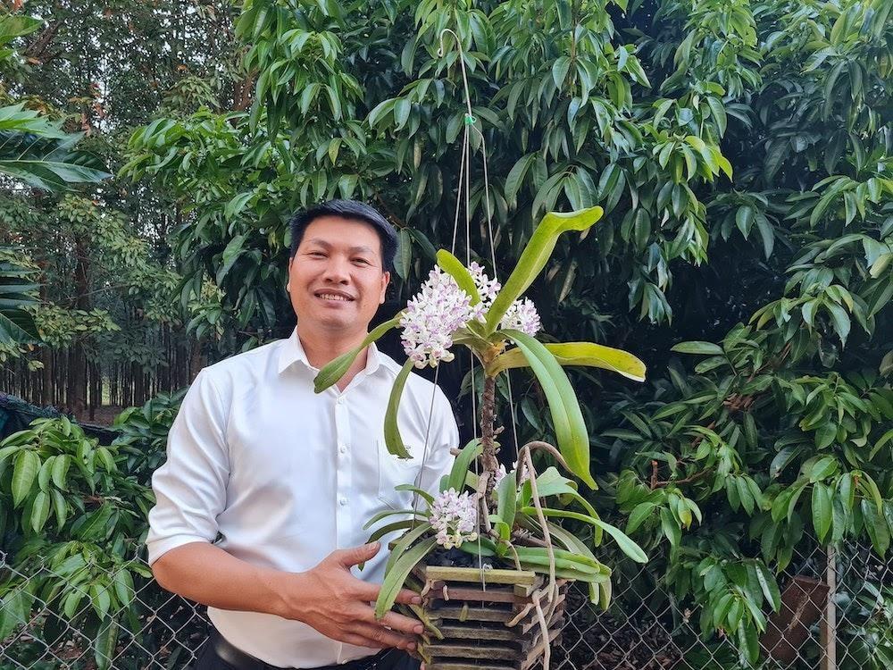 Phía sau nghề trồng hoa lan đầy gian truân của anh Nguyễn Quốc Tư - Ảnh 2