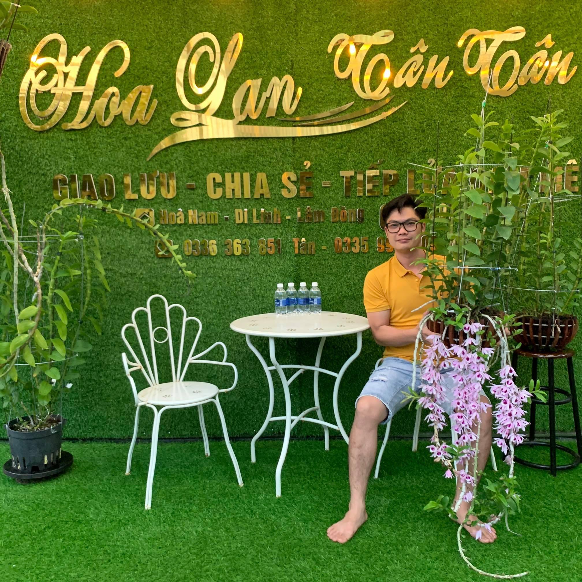 """Nghệ nhân Nguyễn Duy Tân: """"Trồng hoa lan cần có tâm huyết và sự tỉ mỉ"""" - Ảnh 1"""