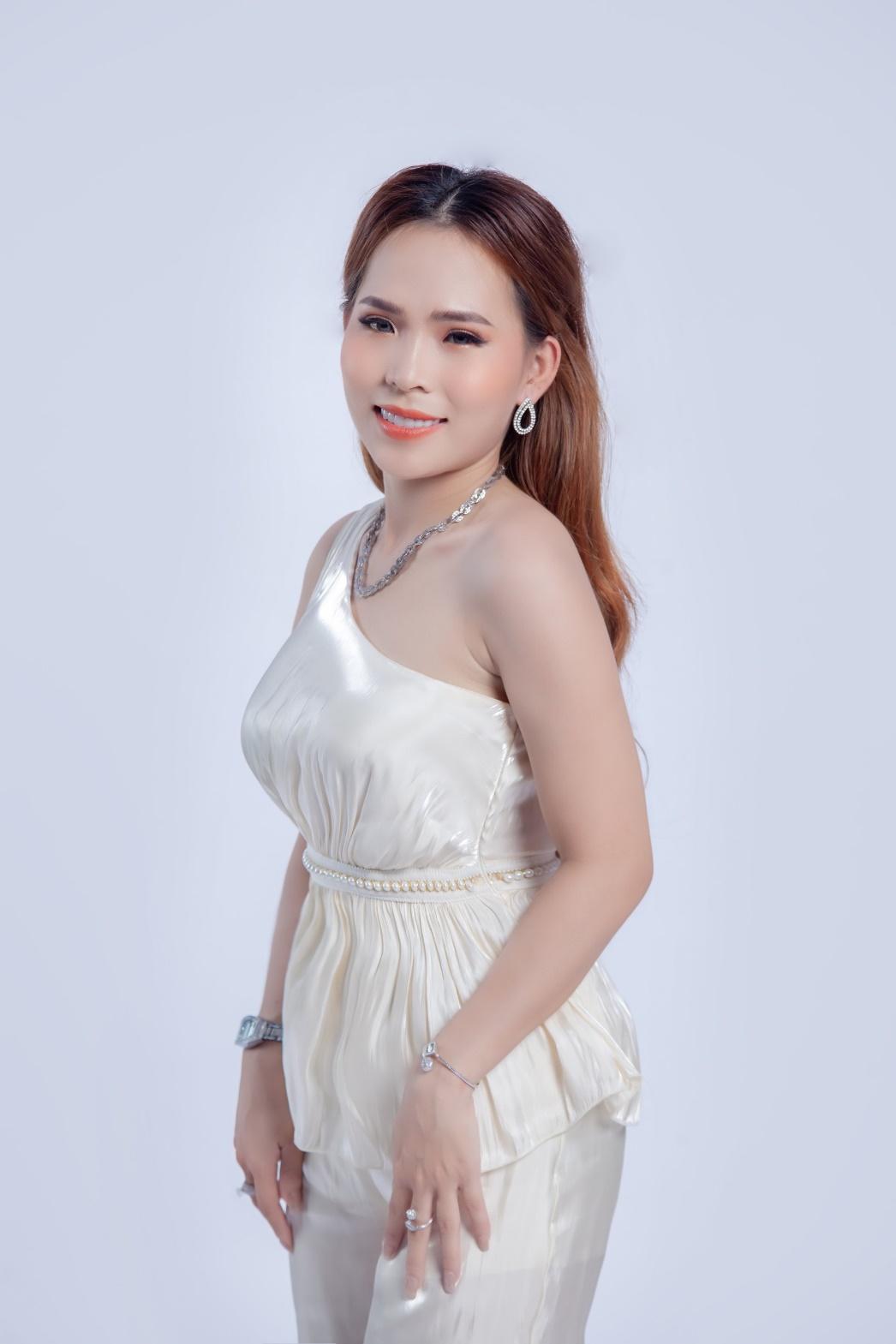 Khánh Ly Boutique một trong những thương hiệu thời trang thiết kế được lòng phái nữ - Ảnh 2
