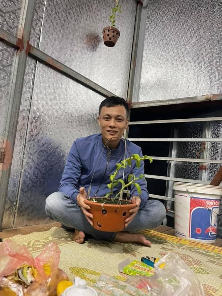 Nghệ nhân Nguyễn Thế Vinh – Chia sẻ cách phân biệt hoa lan thường và hoa lan đột biến - Ảnh 1