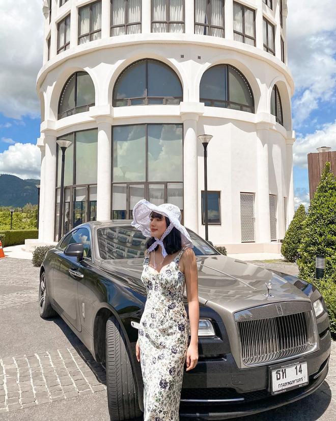 Đại gia lấy vợ hotgirl nhờ phút gặp gỡ định mệnh ở sân bay, chỉ biết chiều vợ bằng... tặng nhà tậu xe - Ảnh 6