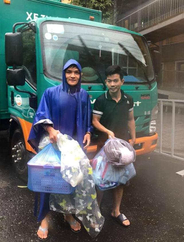 Tài xế vượt mưa lũ, đưa sản phụ đến bệnh viện an toàn - Ảnh 1