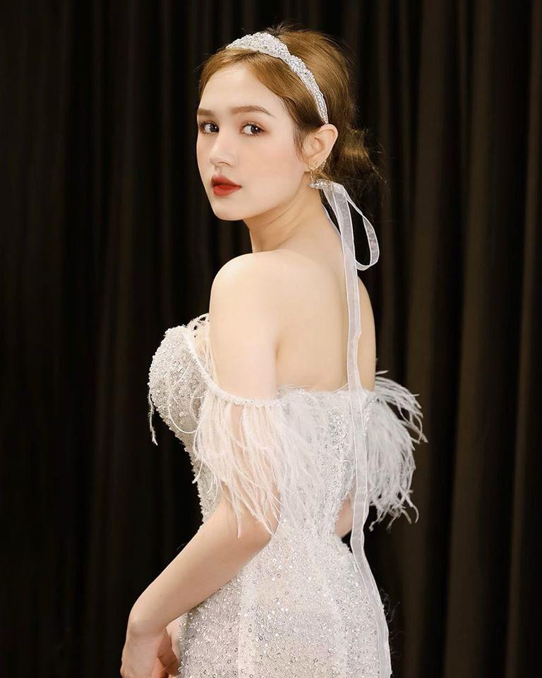 """Kết hôn với """"streamer giàu nhất Việt Nam"""", hotgirl Xoài Non hưởng cuộc sống thượng lưu, sang chảnh - Ảnh 6"""