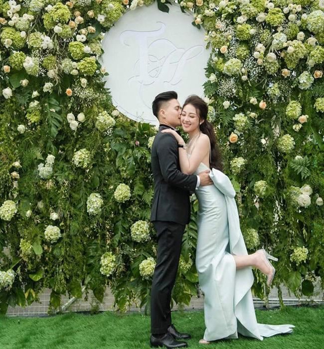 """""""Cô dâu 200 cây vàng"""" được chồng tổ chức tiệc 20/10 tại biệt phủ, dân mạng choáng ngợp độ xa xỉ - Ảnh 5"""