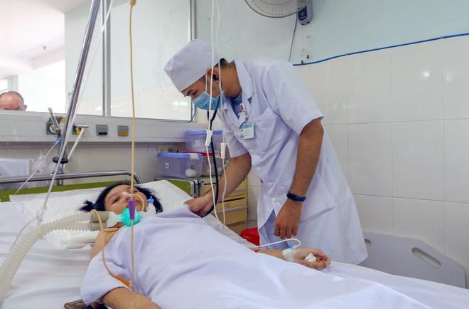 Tin tức đời sống mới nhất ngày 25/10/2020: Hai vợ chồng ngộ độc pate Minh Chay xuất viện - Ảnh 1
