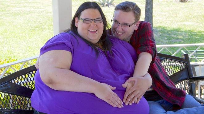 Người phụ nữ béo nhất thế giới sinh con vỏn vẹn 2kg, quyết tâm giảm cân để bên con lâu dài - Ảnh 2