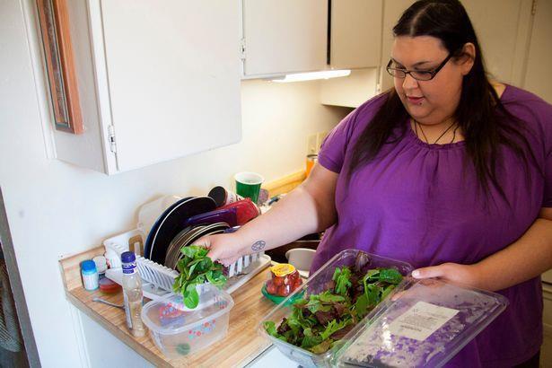 Người phụ nữ béo nhất thế giới sinh con vỏn vẹn 2kg, quyết tâm giảm cân để bên con lâu dài - Ảnh 4