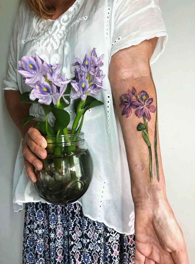 """Biến hoa, lá thành hình xăm độc đáo, nữ nghệ sĩ khiến dân mạng """"ngả mũ bái phục"""" - Ảnh 5"""