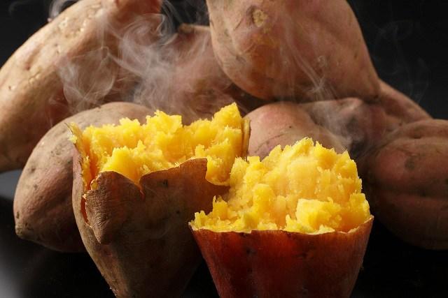 Hấp khoai lang đừng cho thẳng vào nồi, thêm bước này khoai rất ngọt, thơm và mềm - Ảnh 2
