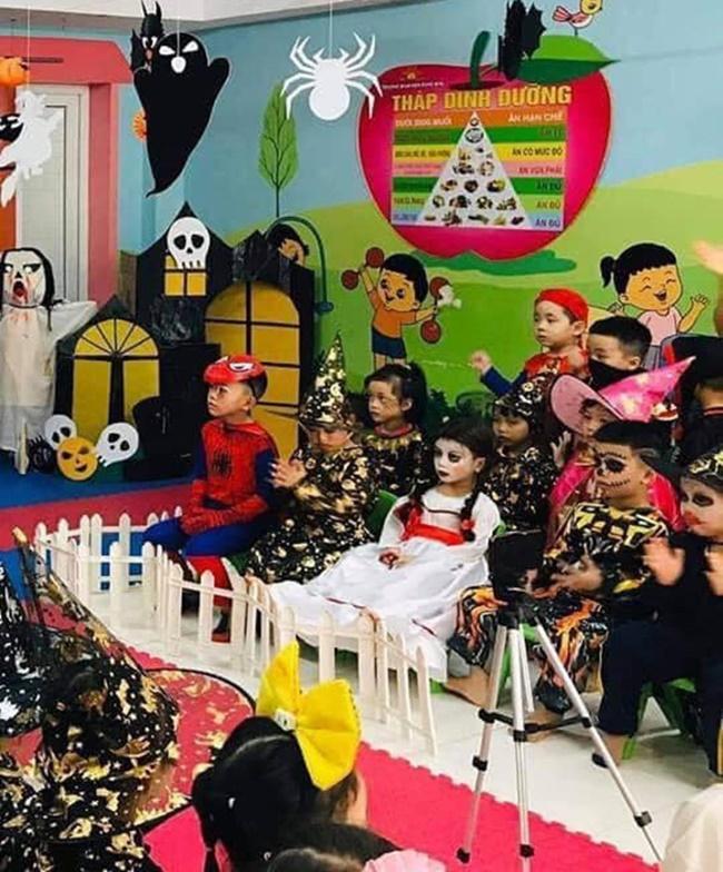 """Halloween mẹ hóa trang cho con thành Annabelle """"chất"""" nhất lớp, khi tẩy trang ai cũng ngỡ ngàng - Ảnh 5"""