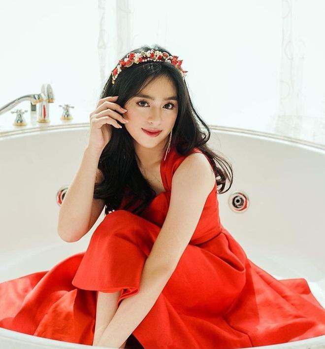 """Ái nữ nhà siêu giàu châu Á: Dành tâm sức 2 năm cho tiệc sinh nhật siêu xa hoa, cuộc sống sang chảnh """"phủ"""" hàng hiệu - Ảnh 1"""