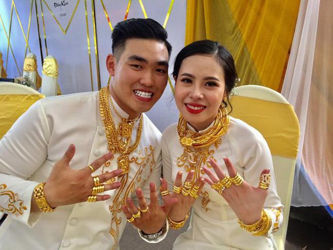 """Sau đám cưới """"khủng"""", cặp đôi nhận 2,5 tỷ đồng hồi môn cùng 49 cây vàng vẫn chưa hết """"hot"""" - Ảnh 1"""
