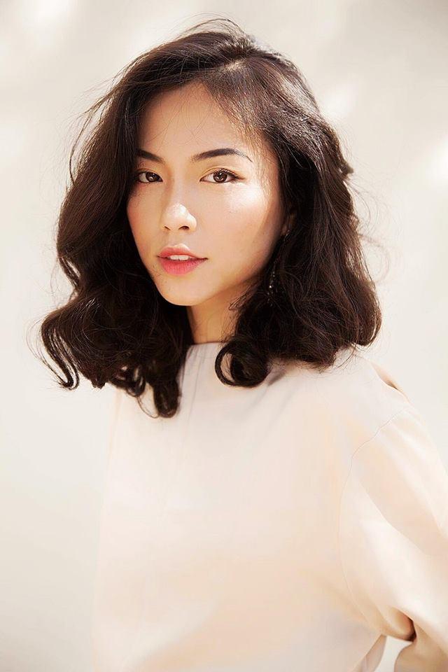"""Bạn gái cơ trưởng trẻ nhất Việt Nam khoe nhan sắc cực phẩm của gia đình, hotgirl vẫn tự thấy mình """"bét bảng"""" - Ảnh 1"""