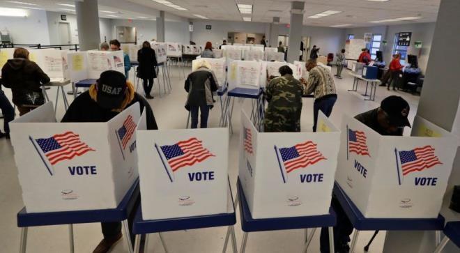 Bầu cử Tổng thống Mỹ 2020: Cử tri đi bỏ phiếu sớm lên mức kỷ lục, tiết lộ lý do - Ảnh 1