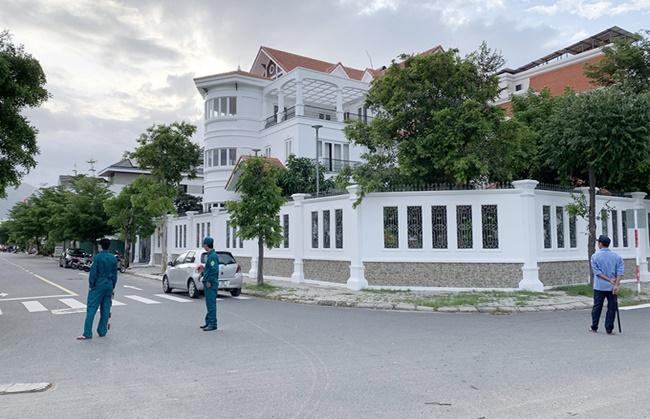 Truy tìm đối tượng lạ vào tận biệt thự, tấn công nguyên bí thư Thành ủy Nha Trang - Ảnh 4