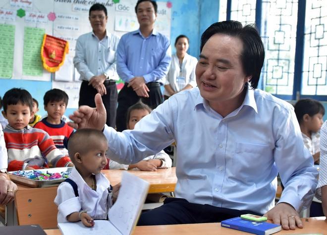 Cậu bé tí hon Đinh Văn K'rể qua đời, Bộ trưởng bộ GD-ĐT gửi lời chia buồn sâu sắc - Ảnh 1