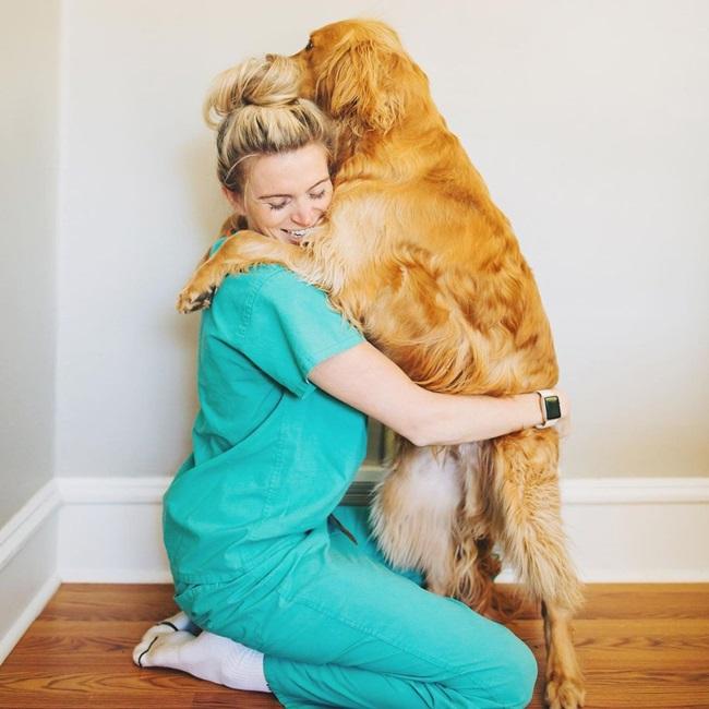 """Dáng chuẩn và gợi cảm, nữ bác sĩ bị chỉ trích """"quá xinh đẹp để làm ngành y"""" - Ảnh 6"""