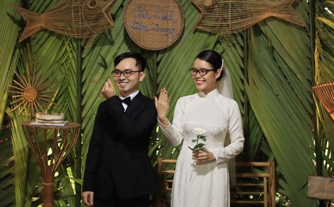 """Cặp đôi """"gây sốt"""" với đám cưới không bia rượu, tiền mừng và nhẫn cưới có """"1-0-2"""" - Ảnh 1"""
