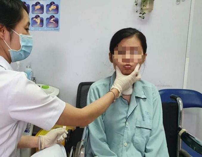 Tin tức đời sống mới nhất ngày 26/11: Nuôi sống bé sinh non nhẹ nhất Việt Nam - Ảnh 2