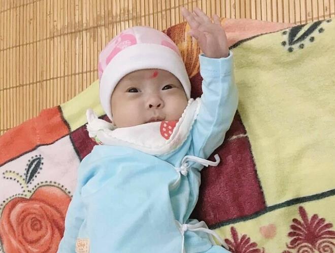 Tin tức đời sống mới nhất ngày 26/11: Nuôi sống bé sinh non nhẹ nhất Việt Nam - Ảnh 1