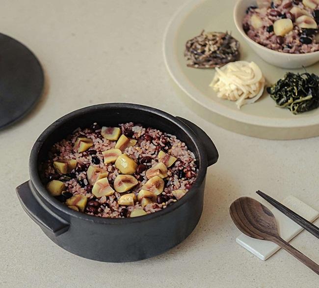 Ăn nhiều cơm không lo béo, tất cả nhờ vào 3 bí quyết học từ gái Hàn  - Ảnh 1