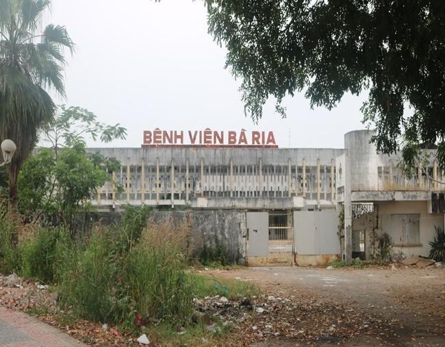 3 cựu kế toán chiếm đoạt hơn 932 triệu đồng của bệnh viện Bà Rịa sắp hầu tòa - Ảnh 1