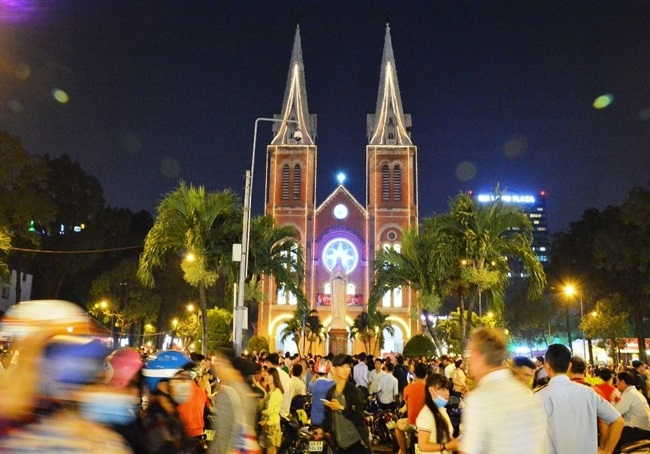 Khám phá những địa điểm chơi Noel lý tưởng ở Hà Nội, TP.HCM - Ảnh 4