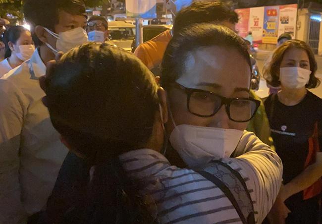 Danh hài Chí Tài qua đời, dàn nghệ sĩ Việt đau đớn tiễn biệt cố nghệ sĩ - Ảnh 6