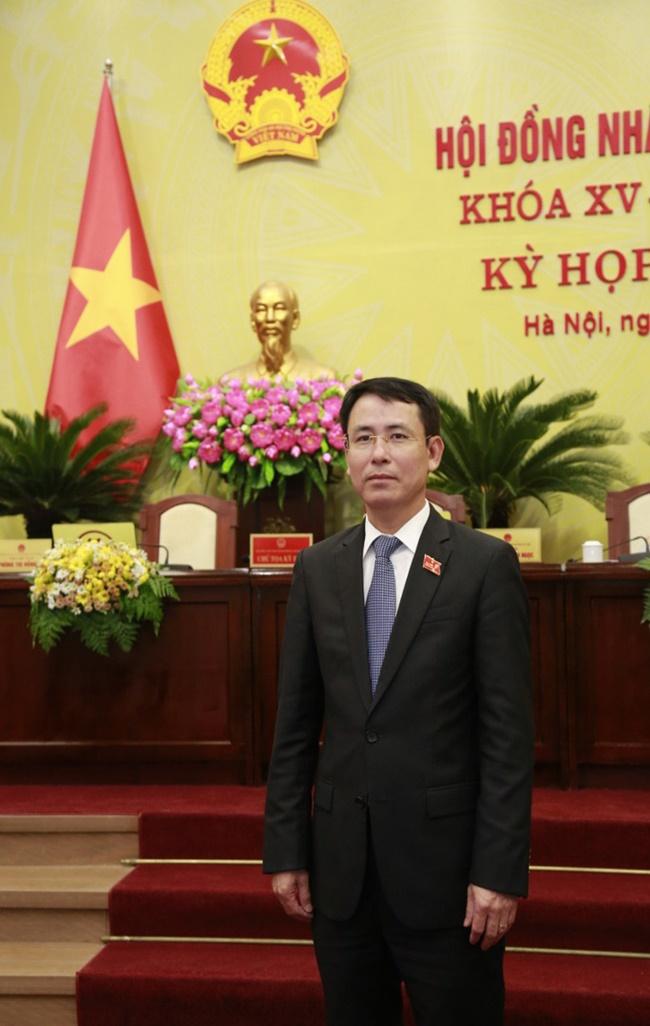 Chân dung 5 tân Phó Chủ tịch UBND thành phố Hà Nội vừa được bầu - Ảnh 3