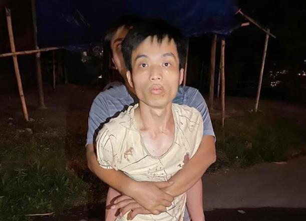 Điều tra nghi án đâm tài xế taxi, cướp xe ở Quảng Ninh - Ảnh 1