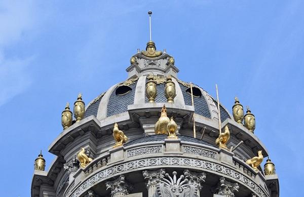 Lâu đài gà vàng 15 triệu USD của đại gia buôn sắt bên sông Tô Lịch - Ảnh 4