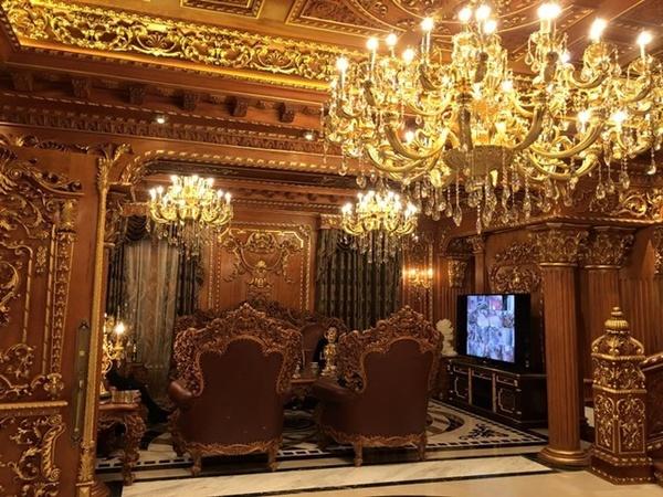 Lâu đài gà vàng 15 triệu USD của đại gia buôn sắt bên sông Tô Lịch - Ảnh 8