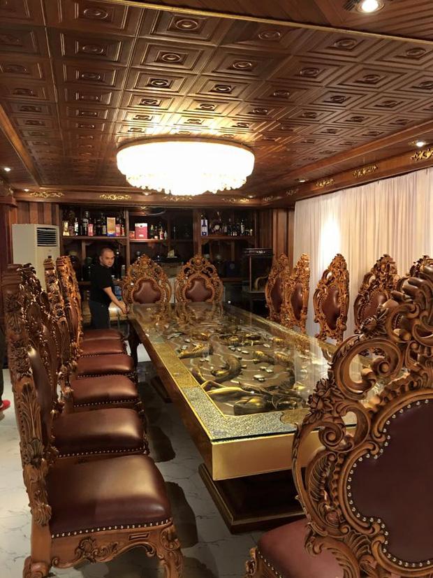Lâu đài gà vàng 15 triệu USD của đại gia buôn sắt bên sông Tô Lịch - Ảnh 9