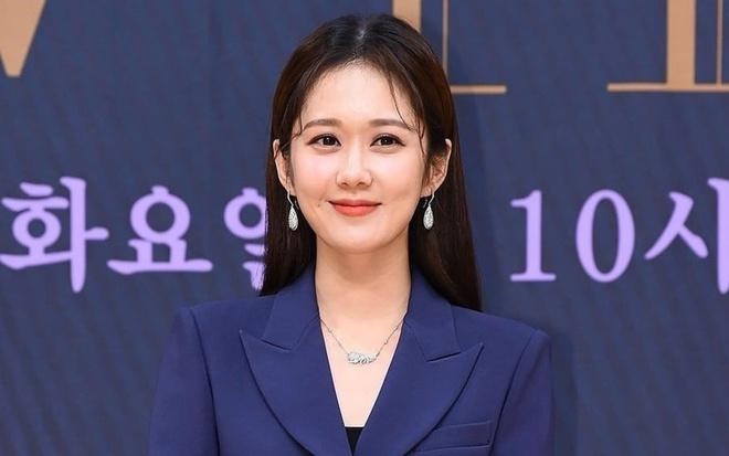 """Tin tức giải trí mới nhất ngày 25/5/2020: Nghi vấn bạn gái tin đồn Sơn Tùng M-TP """"dao kéo""""  - Ảnh 3"""