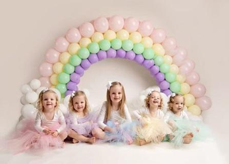 Lịm tim trước vẻ xinh xắn, đáng yêu của 4 bé gái trong ca sinh tư nổi tiếng thế giới  - Ảnh 13