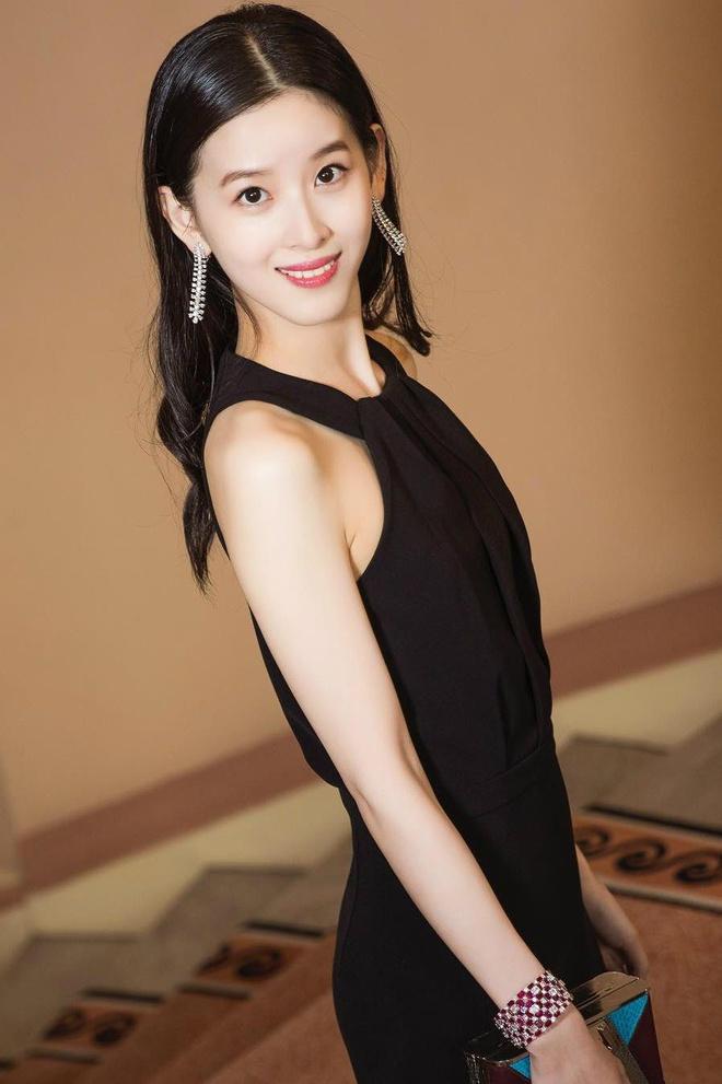 """""""Hot girl trà sữa"""" thành tỷ phú trẻ nhất Trung Quốc bất chấp bê bối tình dục của chồng đại gia - Ảnh 6"""