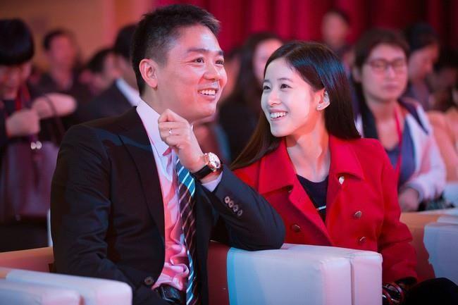"""""""Hot girl trà sữa"""" thành tỷ phú trẻ nhất Trung Quốc bất chấp bê bối tình dục của chồng đại gia - Ảnh 7"""