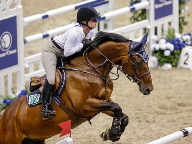 Ái nữ nhà tỷ phú Na Uy đam mê đua ngựa, cha chi tiền tỷ cho sở thích của con - Ảnh 2