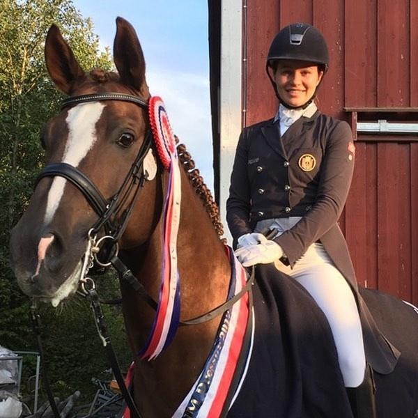 Ái nữ nhà tỷ phú Na Uy đam mê đua ngựa, cha chi tiền tỷ cho sở thích của con - Ảnh 7