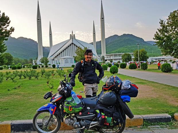 Tiết lộ nơi phượt thủ Đăng Khoa đặt chân sau hơn 1.000 ngày vòng quanh thế giới bằng xe máy - Ảnh 10