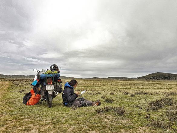 Tiết lộ nơi phượt thủ Đăng Khoa đặt chân sau hơn 1.000 ngày vòng quanh thế giới bằng xe máy - Ảnh 6