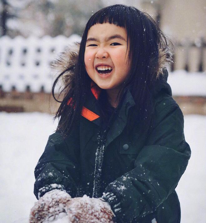"""Gần 4 năm lên chức idol nhí, cô bé """"ăn cả thế giới"""" năm nào giờ đã lớn bổng, đáng yêu - Ảnh 7"""