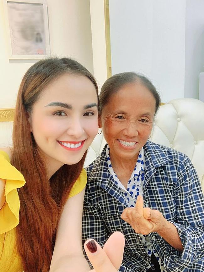 """""""Đọ sắc"""" cùng Hoa hậu Diễm Hương, bà Tân Vlog dù hơn 50 tuổi nhưng vẫn được khen tới tấp ở điểm này - Ảnh 5"""