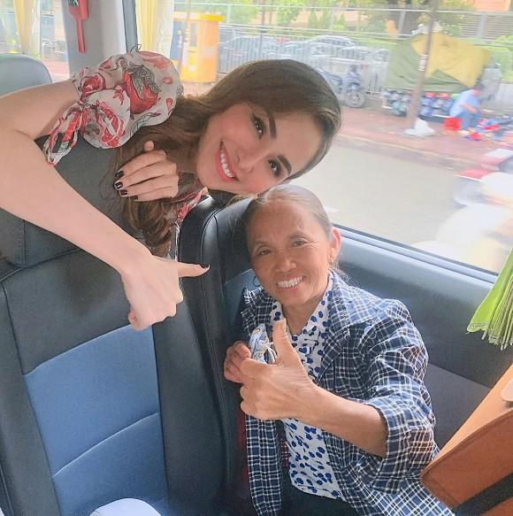 """""""Đọ sắc"""" cùng Hoa hậu Diễm Hương, bà Tân Vlog dù hơn 50 tuổi nhưng vẫn được khen tới tấp ở điểm này - Ảnh 4"""