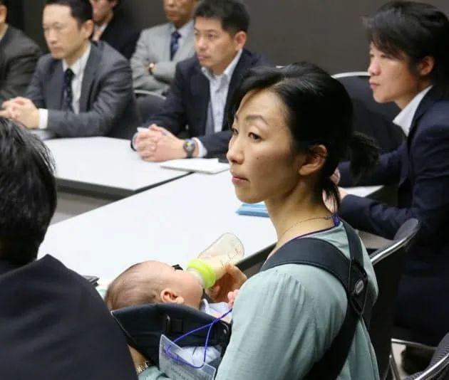 """""""Mẹ bỉm sữa"""" nổi tiếng với câu chuyện vừa sinh 5 con vừa tốt nghiệp thạc sĩ Harvard - Ảnh 4"""