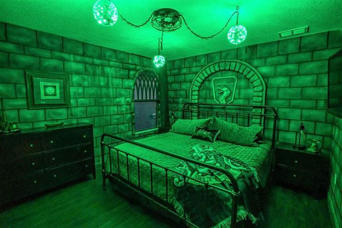 Khám phá biệt thự rộng 4.000m2 tái hiện thế giới phù thủy trong Harry Potter - Ảnh 7