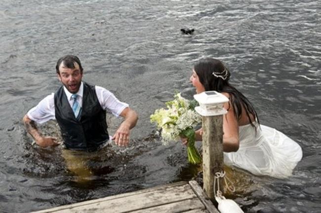 """Chụp ảnh cưới theo phong cách """"bước nhảy hoàn vũ"""", cô dâu chú rể gặp """"thảm họa"""" không ai ngờ - Ảnh 4"""